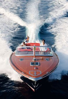 I love it when we're cruising together.we want to visit the Chris Craft manufacturer and lake where many of the boats are in use. Riva Boat, Yacht Boat, Speed Boats, Power Boats, Super Yachts, Yachting Club, Classic Wooden Boats, Classic Boat, Cool Boats