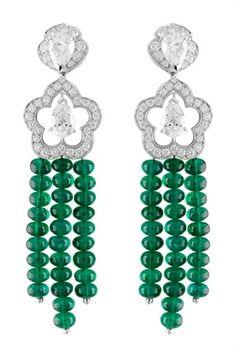 Van Cleef & Arpels emerald and diamond earrings. Stunning my lady friends, stunning.