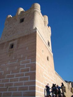 ¡Redescubre el castillo de Villena! Después de una importante restauración, el castillo de La Atalaya abre de nuevo sus puertas al público. ¿Qué mejor plan para este puente? http://xurl.es/xkwjh #tuplancostablanca Rediscover Villena's Castle! After a major renovation, the Atalaya Castle opens again to the public. What a better plan for this long weekend? — en Turismo Villena.