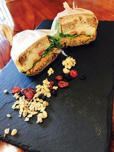 Salmon Burgers, Sandwiches, Ethnic Recipes, Food, Essen, Meals, Paninis, Yemek, Eten