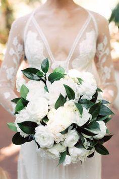Ideas For Wedding Bouquets Pastel White Peonies White Peonies Bouquet, Peony Bouquet Wedding, Summer Wedding Bouquets, White Wedding Flowers, Floral Wedding, Wedding Dresses, Bridal Bouquets, Silk Peonies, Wedding Summer
