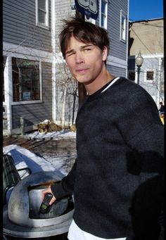 Pin for Later: Here's a Necessary Reminder of Josh Hartnett's Hotness Back in the Day, Josh Was a Squinty Hottie Pearl Harbour Movie, Lucky Number Slevin, Josh Hartnett, Josh Holloway, Aaron Taylor Johnson, Love Scenes, Stars Then And Now, Hot Actors, Pearl Harbor