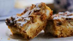 Bedobálós túrós süti   Street Kitchen Krispie Treats, Rice Krispies, Pound Cake, Cauliflower, Muffin, Cooking Recipes, Sweets, Cookies, Baking
