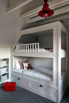 Children's Bedroom : Modern Nursery/kid's room by Studio Duggan