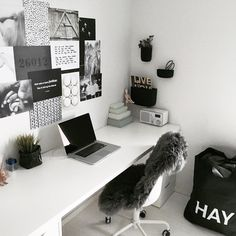 Beautiful home desk ideas for cozy study Bedroom Decor For Teen Girls, Room Ideas Bedroom, Teen Room Decor, Home Office Decor, Home Decor Bedroom, Study Room Decor, Cute Room Decor, Pinterest Room Decor, Aesthetic Room Decor