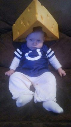 """@angelasettle81 """"Sorry sis but Izzy wants the Packers to beat the Cowboys!"""" Lol #cheesehead"""