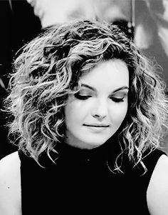 Camren Renee Bicondova, Carmen Bicondova, I Am Beautiful, Beautiful People, Catwoman, Gotham, Gifs, Dreadlocks, Kitty