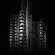 Irene Kung LLOYDS BUILDING LONDON Para mais informações sobre a obra e receber o catálogo da artista Irene Kung: contato@galeriachroma.com.br