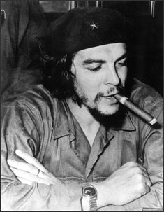 """Six photos of Ernesto """"Che"""" Guevara Che Guevara Pictures, Che Guevara Images, Rare Photos, Poster A3, Poster Prints, Che Guevarra, Old Posters, Wallpapers En Hd, Socialism"""