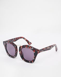 Sunglasses by ASOS Collection Chunky tortoiseshell frames Moulded nose pads for added comfort Gradient tinted lenses Wide arms with curved temple tips for a secure fit Total UV Protection