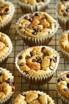 Made with no flour or oil, these Banana Oat Greek Yogurt Muffins make for a deliciously healthy breakfast or snack! Prep time 5 mins Cook time 15 mins Total time 20 mins Yields: 12 muffins 3 points plus Healthy Baking, Healthy Desserts, Delicious Desserts, Dessert Recipes, Yummy Food, Tasty, Healthy Muffins, Healthy Yogurt, Healthy Food