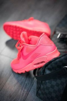 Nike Women's Air Max 90! So cute!