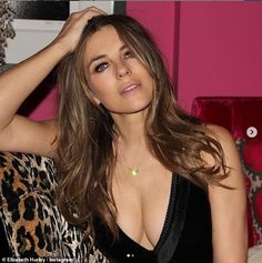 Elizabeth Hurley cleavage in a low cut black dress Beautiful Celebrities, Most Beautiful Women, Beautiful Eyes, Elizabeth Hurley Bikini, Damian Hurley, Elisabeth, Bikini Pictures, Hottest Photos, Actresses