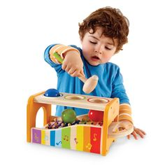 Practice motor skills, colour recognition and cause-and-effect understanding with the Early Melodies Pound and Tap Bench!