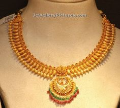 simple gold necklace designs with chandbali pendant Gold Necklace Simple, Gold Jewelry Simple, Pearl Necklace Designs, Gold Earrings Designs, Gold Ring Designs, Gold Jewellery Design, Indian Bridal Jewelry Sets, Gold Haram, Pendant