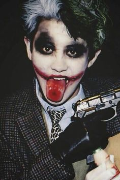 Chanyeol is so handsome on joker cosplay