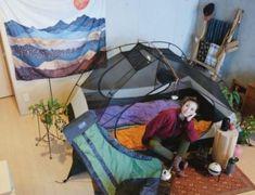【材料費2,300円】特殊な工程は一切なし!フォールディングテーブルのDIYに挑戦 | CAMP HACK[キャンプハック] Camping Life, Hinata, Outdoor Gear, Tent, Painting, Store, Painting Art, Tents, Paintings