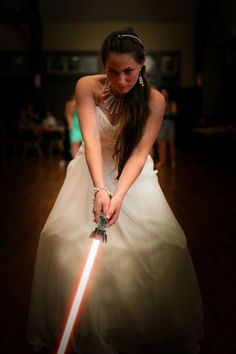 That moment you realize you married a Sith. Lol And I now I want a lightsaber at my wedding Funny Wedding Photos, Wedding Pictures, Funny Captions, Funny Memes, Movie Memes, Movie Facts, Funny Signs, Funny Videos, Practical Jokes