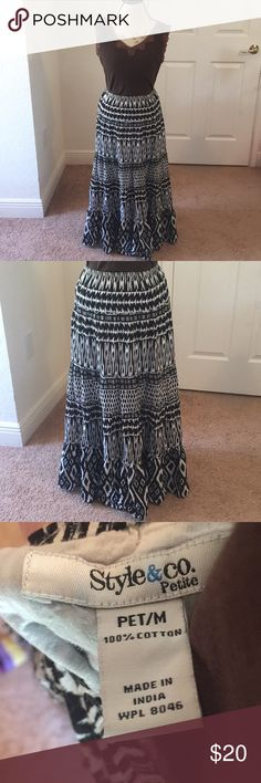 Style & Co petite maxi skirt black & white cotton Stunningly gorgeous Style&Co. petite maxi skirt. Black and white in color. Fun abstract/Aztec design!   Good used condition.   Length is about 35.5 in. Very stretchy!  Please don't hesitate to ask any questions! Style & Co Skirts Maxi
