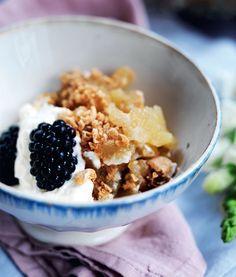 Sæsonens bedste dessert: Æblekage med brombær - Boligliv