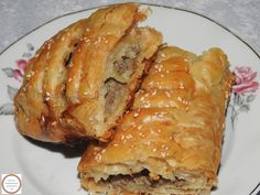 Romanian Food, Pastry And Bakery, Empanadas, Pancakes, French Toast, Pork, Food And Drink, Meat, Breakfast