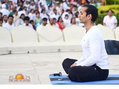 """""""The most powerful way to spend 20 minutes of your life, each day, is to meditate! These 20 minutes needs simple de-concentration and nothing else."""" Breath of Relaxation - Guided Meditation by Sri Sri Ravi Shankar :"""
