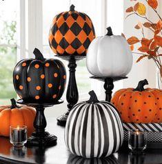 No-carve pumpkin decorating ideas - Missmv.com Classy Halloween, Halloween Mantel, Halloween Home Decor, Outdoor Halloween, Holidays Halloween, Halloween Pumpkins, Halloween Crafts, Halloween Party, Halloween Ideas