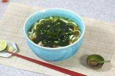 "NHK WORLD TV | Your Japanese Kitchen | <span style=""font-style: italic;"">Wakame Udon</span> Noodles"