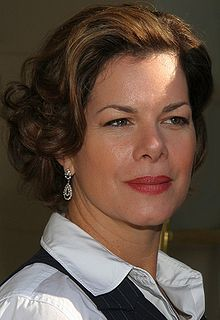 Actress Marcia Gay Harden recovering from foot surgery.
