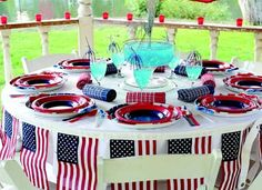 Love 4th of July Parties and Sandra Lee.