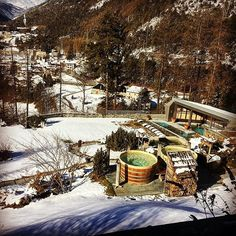 how about going out to take a bath in a barrel in the snow?😻Bormio 🇮🇹😻#mountain #visiting #bormio #italy #travel #traveler #traveling #follow #followme #travels #travelling #travelpics #travelblogger #travelph #travelgram #travelphotography #keepgoing #instatravel #instatraveling #spa #wanderlust #tourism #valtellina #vacation #voyage #lonelyplanet #postcardsfromtheworld #igtravel #letsgosomewhere #travelingram