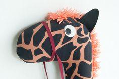 giraffa con bastone - stick giraffe kid - giraffa pezza  giocattolo -giraffa a  dondolo - regalo compleanno bambino-regalo Natale Tata Drama di SartoriaTataDrama su Etsy