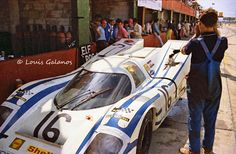 The Porsche of Vic Elford and Kurt Ahrens and entered by Porsche AUDI/Shell. It did not finish the 1970 Sebring Race due to an accident. They were hit from behind causing damage to the suspension and body. Porsche, Audi, Bmw, Sebring Raceway, Sport Cars, Race Cars, Peugeot, Volkswagen