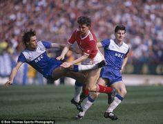 Pat van den Hauwe and Paul Bracewell Football Cards, Football Players, Baseball Cards, Everton Fc, Den, Club, Running, Sports, Image