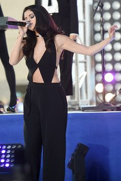 Selena Gomez looked fabulous for her performance on the 'Today' show on Oct. 12 when she rocked a sexy black cutout jumpsuit. What do you guys think of her sexy outfit?