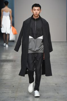 Lucio Vanotti Fall 2018 Ready-to-Wear Collection - Vogue