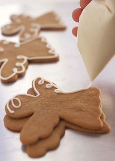 A Christmas Baking Day Christmas Gingerbread, Christmas Treats, Gingerbread Cookies, Christmas Cookies, Holiday Baking, Christmas Baking, Angel Cookies, Iced Cookies, Angel Biscuits