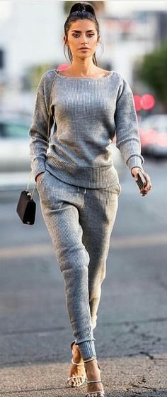 #fall #outfits women's grey boat-neck sweater and sweat pants