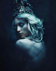 By Stefan Gesell Dark Photography, Portrait Photography, Artistic Fashion Photography, Photography Illustration, Dark Mermaid, Fantasy Character, Maquillage Halloween, Dark Beauty, Dark Art
