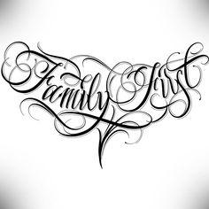 Calligraphie Family First Fond Noir Tattoo Chest Tattoo Lettering, Tattoo Lettering Design, Chicano Lettering, Tattoo Lettering Fonts, Tattoo Design Drawings, Tattoo Script, Graffiti Lettering, Tattoo Sleeve Designs, Tattoo Designs Men