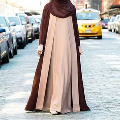 No photo description available. Hijab Style Dress, Hijab Look, Abaya Style, Abaya Fashion, Modest Fashion, Fashion Dresses, Muslim Women Fashion, Islamic Fashion, Modele Hijab