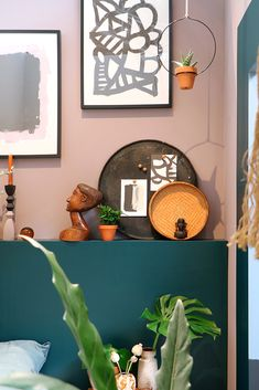 Warm African Interiors Inspired By The Tropical Savannas Modern Home Interior Design, Diy Interior, Decorating Blogs, Decorating Your Home, Ethnic Bedroom, African Interior, Ethnic Home Decor, Wall Decor Design, Houses