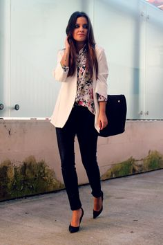 Floral shirt + white blazer + black heels. LITTLE BLACK COCONUT