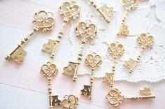 5 pcs Heart Key Open Bezel Charm (10-35mm) AZ508 by Candydecoholic on Etsy