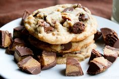 Reeses Peanut Butter Cup Peanut Butter Chocolate Chip Cookies. The perfect way to use up #easter #candy ohsweetbasil.com