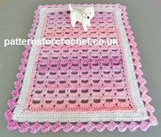 Free crochet pattern for table centre piece http://www.patternsforcrochet.co.uk/table-centre-piece-usa.html #patternsforcrochet