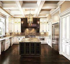 Beauty! Shaker Kitchen Cabinets, Kitchen Cabinet Styles, Painting Kitchen Cabinets, Dark Cabinets, Home Remodeling, Dream Kitchens, Home Kitchens, Luxury Kitchens, Custom Kitchens