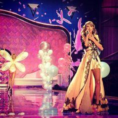 Taylor Swift #VSfashinshow