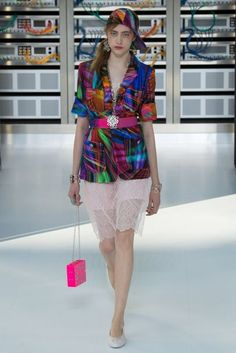 Chanel Spring/Summer 2017 Ready-To-Wear Collection | British Vogue