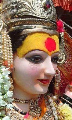 Navratri Puja will help you overcome all your negativities. Flourish with wealth on this Navratri by offering Homam to Lakshmi, Saraswathi & Durga. Durga Images, Lakshmi Images, Ganesh Images, Durga Painting, Lord Shiva Painting, Indian Goddess, Goddess Lakshmi, Bhagavad Gita, Namaste